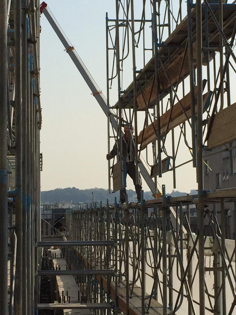 鳶工事一式・足場設置・解体・鉄骨・クレーン建方などを請負う建設会社